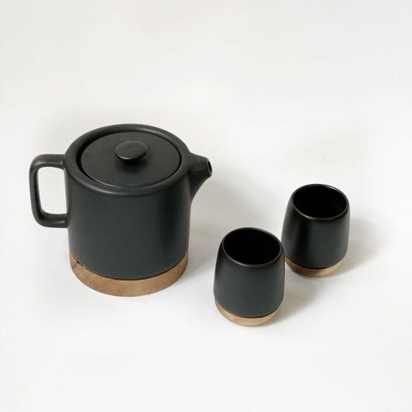 Set teiera e due tazze nero opaco