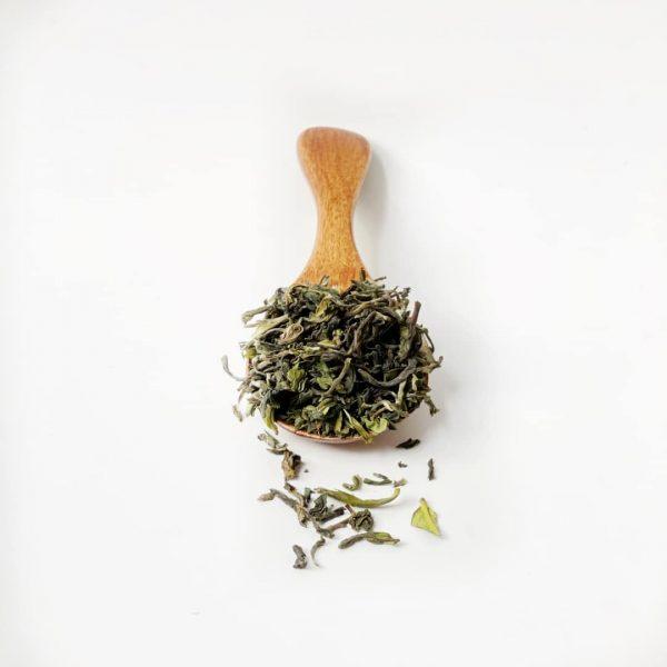 foglie di tè nero indiano
