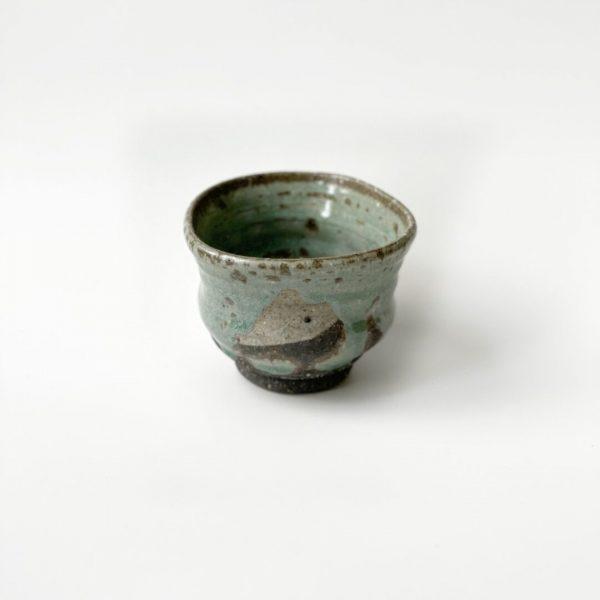 Tazza da tè yunomi in ceramica verde realizzata a mano